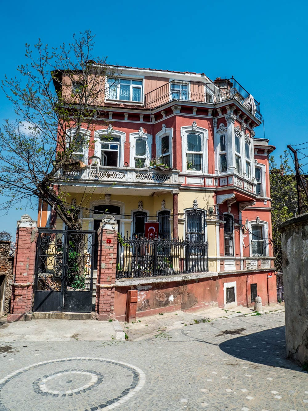 "Hus fra filmen ""The Water Diviner"" ved Fener / Balat, Istanbul"