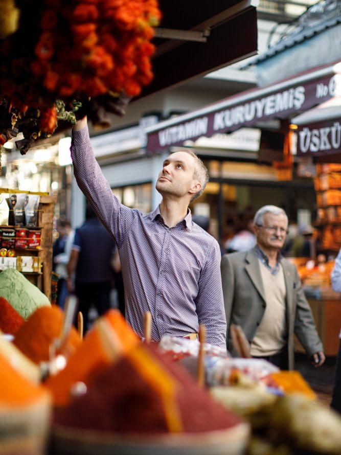 Vidar Bergum på kryddermarkedet i Istanbul