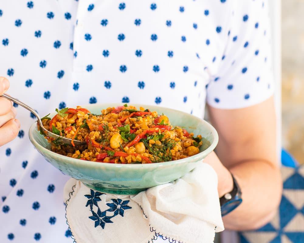 Bulgurpilaff med kikerter og paprika